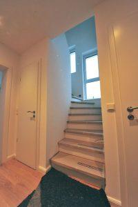 neue Treppe zum Spitzboden