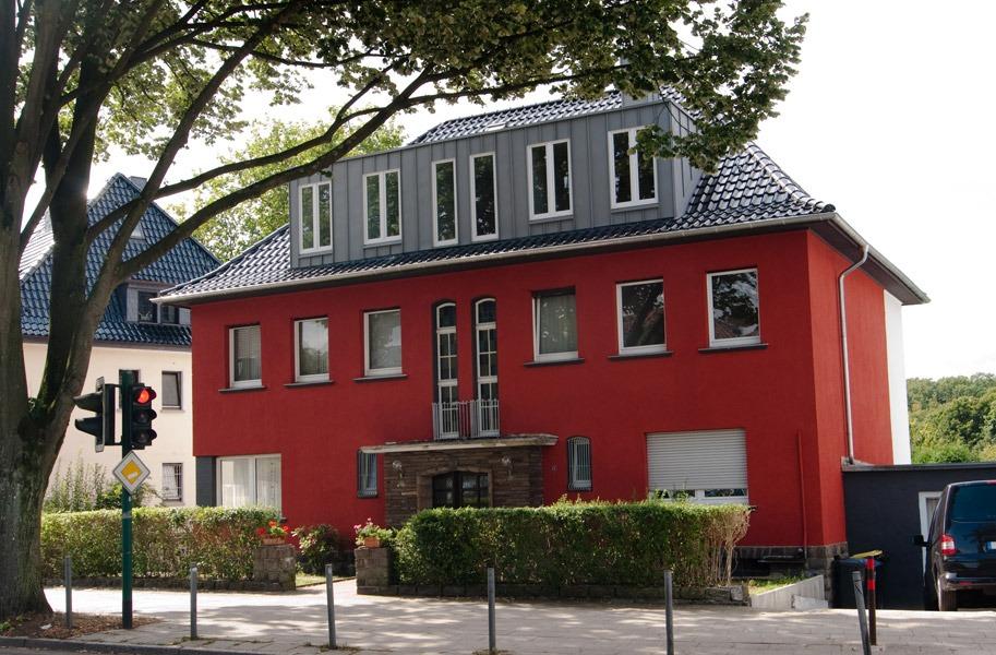 https://lebenslust-architektur.de/wp-content/uploads/2019/12/Lebenslust_Architekturbuero_Essen_Strassenansicht-nachher.jpg
