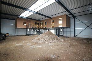 Lagerhalle - Blick auf die Büroetage